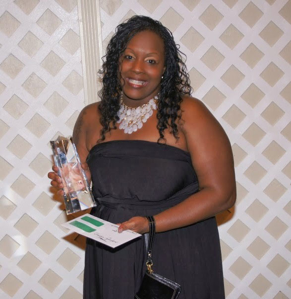 Vonetta Robinson from Elkridge Estates won the Silver Star (second place) for Leasing Professional of the Year!